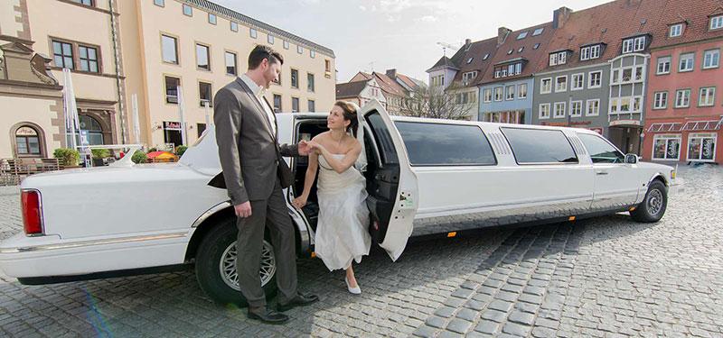 limousine hochzeit top hochzeit with limousine hochzeit finest limousine angebote with. Black Bedroom Furniture Sets. Home Design Ideas